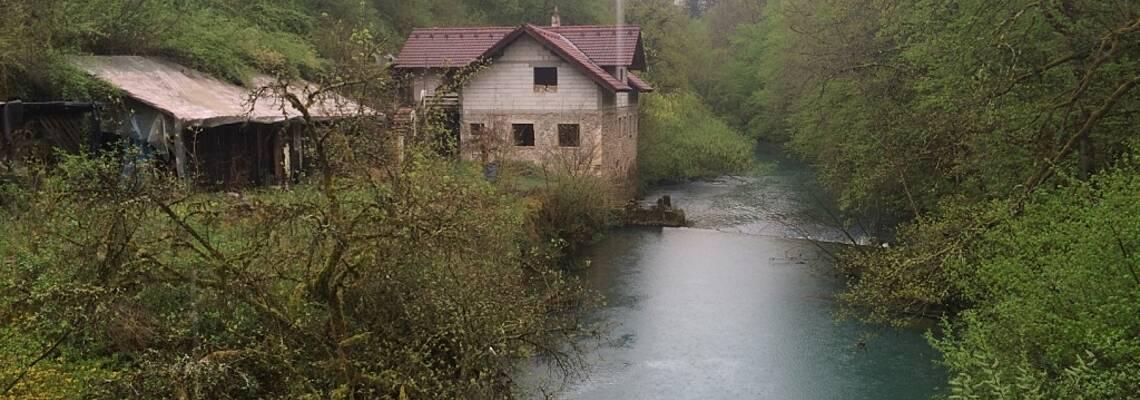 Продажа старой мельницы на реке в Словении